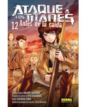 ATAQUE A LOS TITANES: ANTES DE LA CAÍDA 12